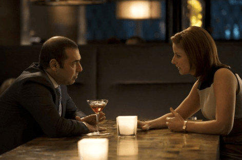 Louis (Rick Hoffman) and Allison (Diane Neal) discuss. Image © USA