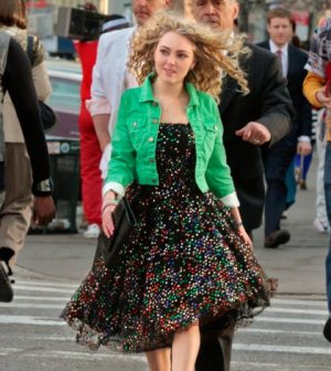 """AnnaSophia Robb as Carrie in the CW's """"The Carrie Diaries"""""""