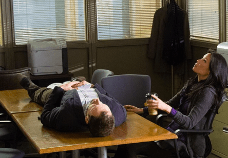 Holmes and Watson engage in a little brainstorming. Image © CBS