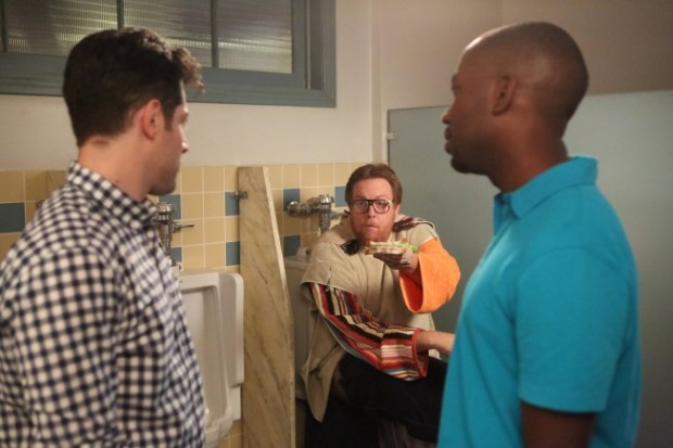 """Schmidt (Max Greenfield, L) and Winston (Lamorne Morris, R) bring Outside Dave (guest star Stee Agee, C) into the loft in the """"First Date"""" episode of NEW GIRL airing on a special night, Thursday, April 4 (9:00-9:30 PM ET/PT) on FOX.  ©2013 Fox Broadcasting Co.  Cr:  Adam Taylor/FOX"""