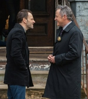 """Jonny Lee Miller(l)  and Aidan Quinn (r) debate the facts in Elementary's """"Dead Man's Switch."""" Image © CBS"""