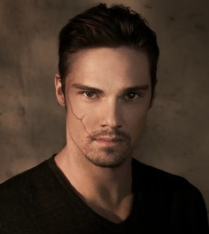 Jay Ryan as Vincent in the CW's Beauty and the Beast