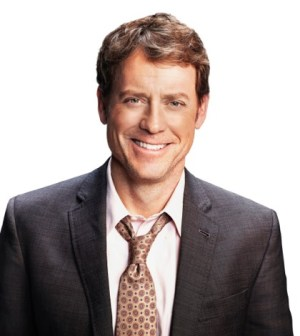Greg Kinnear. ©2013 Fox Broadcasting Co. Cr: Patrick Ecclesine/FOX