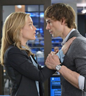 Pictured: (l-r) Piper Perabo as Annie Walker, Christopher Gorham as Auggie Anderson -- (Photo by: Ben Mark Holzberg/USA Network)