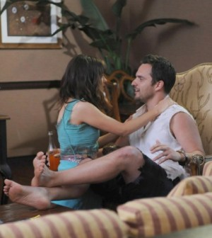 Zooey Deschanel and Jake Johnson in the Season Premiere of New Girl. Co. Cr: Ray Mickshaw/FOX