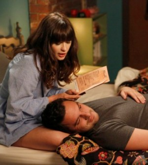 Zooey Deschanel and Jake Johnson in New Girl.  Co.  Cr: Greg Gayne/FOX