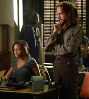 Lt. Abbie Mills (Nicole Beharie, L) and Ichabod Crane (Tom Mison, R) Co. CR: Brownie Harris/FOX