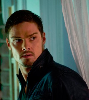 Pictured: Jay Ryan as Vincent. Photo: Christos Kalohoridis/The CW