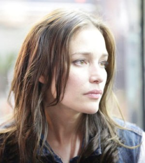 Pictured: Piper Perabo as Annie Walker  -- (Photo by: USA Network)