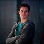 Pictured:  Robbie Amell as Stephen Jameson in the CW's The Tomorrow People -- Photo: Cate Cameron/The CW