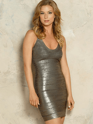 Emily VanCamp as Emily Thorne/Amanda Clarke. Image © ABC