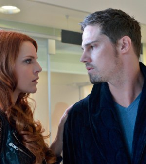 (L-R): Amber Skye Noyes as Tori and Jay Ryan as Vincent -- Photo: Ben Mark Holzberg/The CW