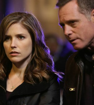 Pictured: (l-r) Sophia Bush as Erin Lindsay, Jason Beghe as Hank Voight -- (Photo by: Elizabeth Morris/NBC)