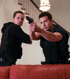 Pictured: (l-r) Jesse Lee Soffer as Jay Halstead, Jon Seda as Antonio Dawson -- (Photo by: Elizabeth Morris/NBC)