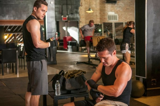 Pictured: (l-r) Jesse Lee Soffer as Jay Halstead, Jon Seda as Antonio Dawson -- (Photo by: Matt Dinerstein/NBC)