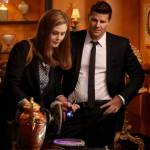 Brennan (Emily Deschanel, L) and Booth (David Boreanaz, R). Co. Cr: Patrick McElhenney/FOX
