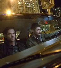 Sam and Dean hit the strets of Chicago. Image © CW Network