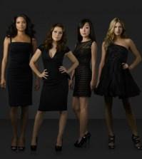 Pictured (L-R): Rochelle Aytes, Alyssa Milano, Davis, Yunjin Kim, and Jes Macallan -- Photo by: ABC/BOB D'AMICO
