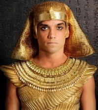 Pictured: Reece Ritchie as Pharaoh Shai Kanahkt --  © 2014 FOX Broadcasting Network