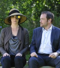 Pictured: (l-r) Chrissy Whitehead as Claire Donovan, Mark Shepard as Benedict Valda -- (Photo by: Steve Wilkie/Syfy)