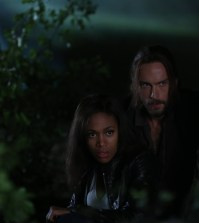 Ichabod (Tom Mison, R) and Abbie (Nicole Beharie, L). Co. CR: Fred Norris/FOX