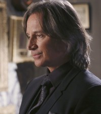 Robert Carlyle as Mr Gold. Image © ABC