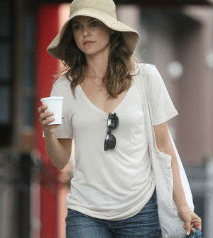Pictured: Keri Russell out and about in a floppy sun hat. Source:  Source: Bauer Griffin