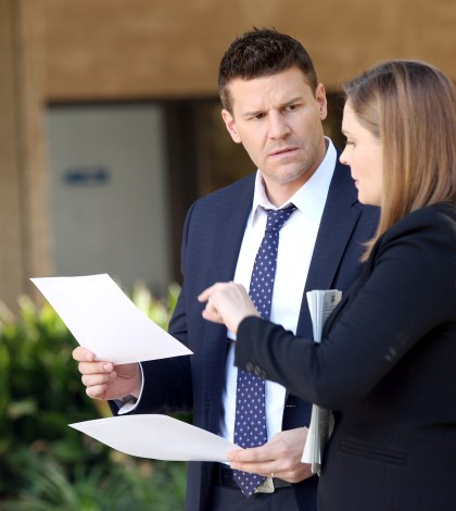 Brennan (Emily Deschanel, R) and Booth (David Boreanaz, L) |  Co. Cr: Adam Taylor/FOX