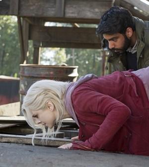 "Pictured (L-R): Rose McIver as Olivia ""Liv"" Moore and Rahul Kohli as Dr. Ravi Chakrabarti -- Photo: Diyah Pera/The CW"