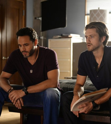 Pictured: (l-r) Daniel Sunjata as Paul Briggs, Aaron Tveit as Mike Warren -- (Photo by: Jeff Daly/USA Network)