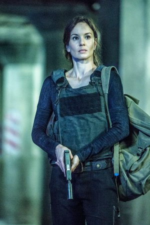 "COLONY -- ""Getaway"" Episode 110 -- Pictured: Sarah Wayne Callies as Katie Bowman -- (Photo by: Isabella Vosmikova/USA Network)"