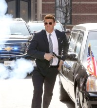 "BONES: David Boreanaz in the ""The Secret in the Service"" 