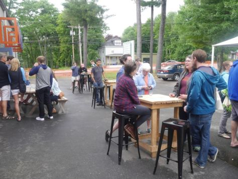 After some noisy indoor breweries, I was glad to have some outdoor seating options.