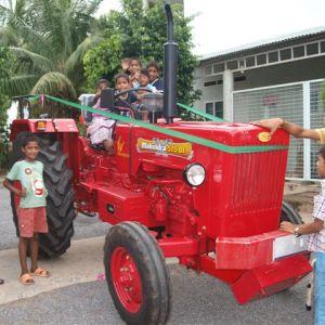 de niuwe tractor