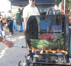 roasting peppers at Eugene, Ore., farmers market, 09/24/11