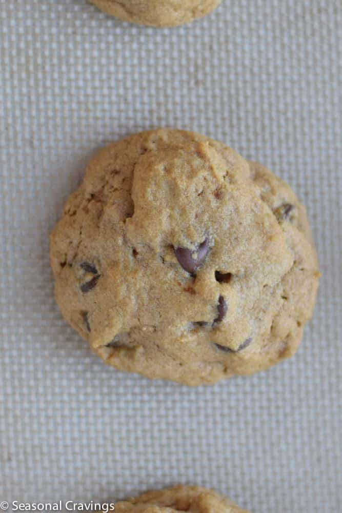 Five Ingredient Peanut Butter Chocolate Chip Cookies ...