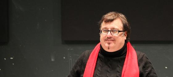 Jon Kretzu in rehearsal