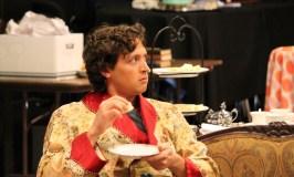 Quinn Franzen as Algernon.