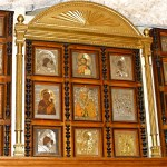 Wall of icons in Greek Treasury (Seetheholyland.net)