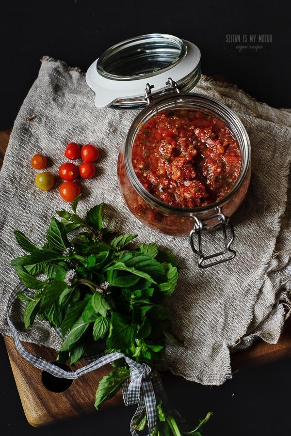 Fresh Tomato and Mint Salsa