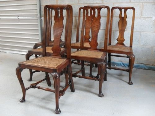 Set Of Six Walnut Queen Anne Style Dining Chairs 82619