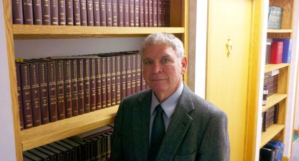 Thomas H Sellnow