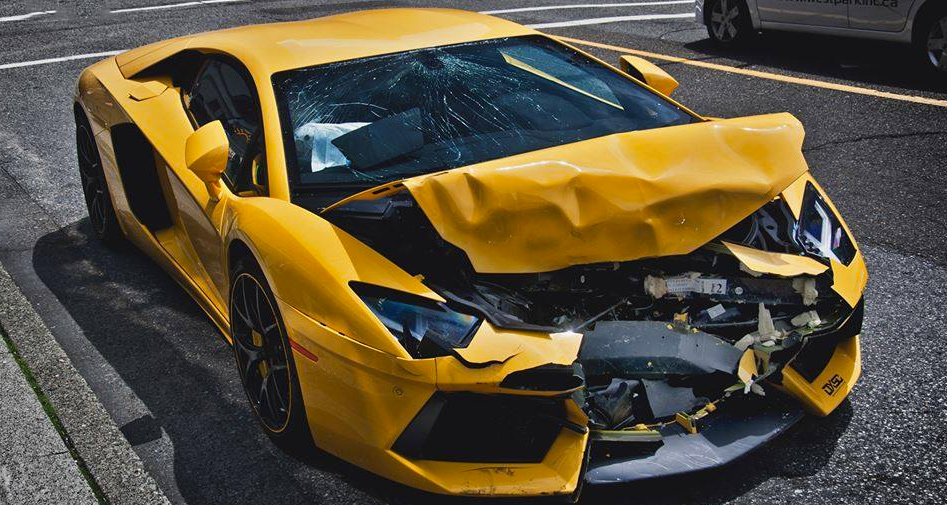 Different Ways to Sell a Damaged Car - Wrecked car Sell the cars, FL