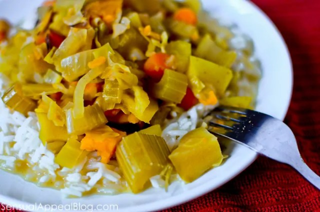 Lightened Up - Sweet & Spicy Vegetarian Curry in a CROCK POT! #easy #healthy