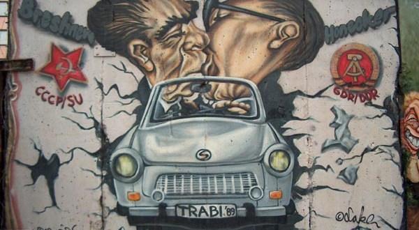 berlin-wall-art-3