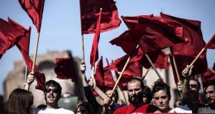 Un momento del corteo organizzato dall'Anpi al Colosseo in occasione della Festa della Liberazione. Roma 25 aprile 2014.