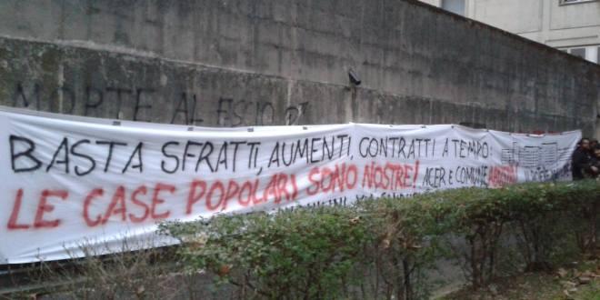 """Striscione del """"Comitato Inquilini via Gandusio"""", Bologna"""