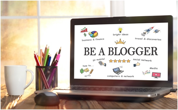 How to Market Yourself as a Professional Blogger and Turn Your Side