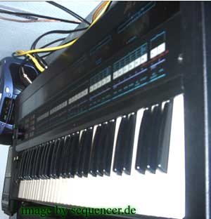 Akai AX-80 Synthesizer