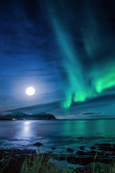 Aurora Borealis Moon Night Ce Wallpaper - [640 x 960]